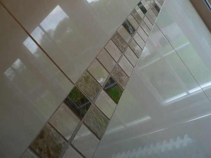 Porcelain tiles and marble tiles, en-suite bathroom