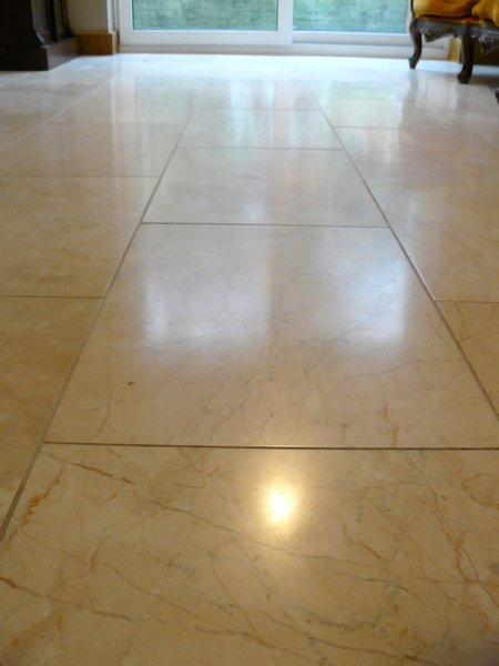 Marble tile living room floor