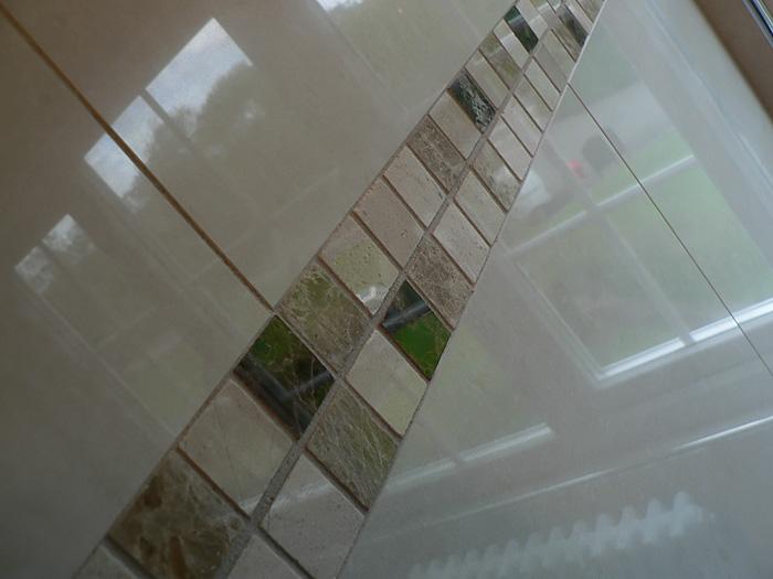 Porcelain tiles and marble tiles, en-suite bathroom