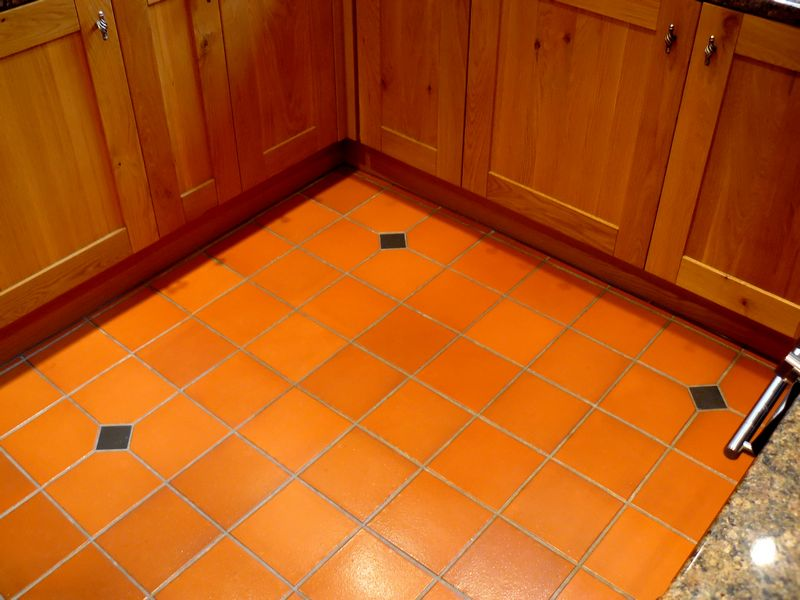 Quarry Tiles Hallway And Kitchen Floor A T Ceramics